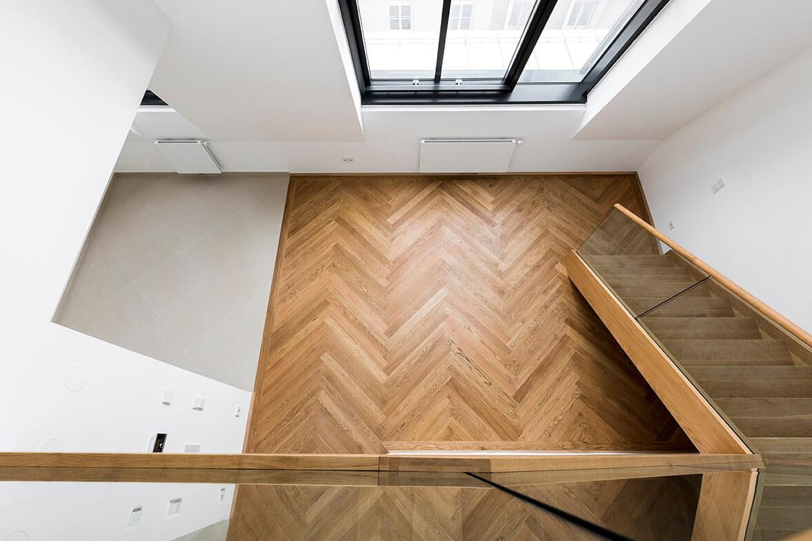 Holzstiege mit Sichtqualität
